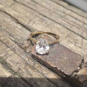 Jewelry - Solid 14k Vintage Engagement Ring